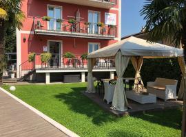 Garni Hotello Sport And Relax, hotel in Riva del Garda