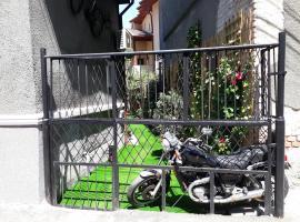 Motor House Unirii, מקום אירוח B&B בבוקרשט