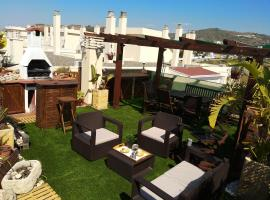 Apartamentos playa y golf, apartment in Torre de Benagalbón