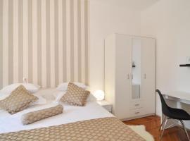 Del Carmen Apartment, hotel in Split