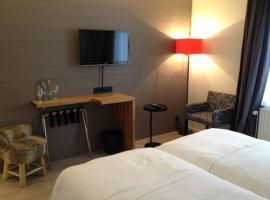 Guesthouse Au coin de la rue, family hotel in Malmedy