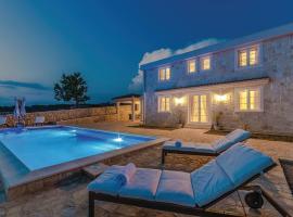 Villa Toma I, luxury hotel in Novalja