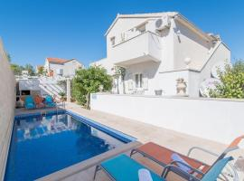 Apartments Petranic, hotel with jacuzzis in Supetar