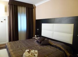 Hotel Euro House Suites, hotel near Fiumicino Airport - FCO, Fiumicino