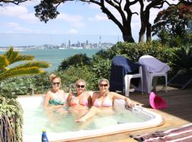 Sea view guest house, self-catering accommodation in Auckland