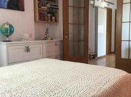 """Victoriei Square Apartment, hotel near National Museum of Natural History """"Grigore Antipa"""", Bucharest"""