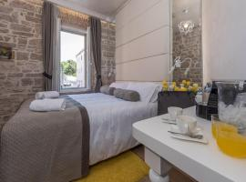 Zara Palace - design rooms, guest house in Zadar