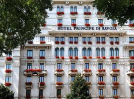 Hotel Principe Di Savoia - Dorchester Collection, hotel near Bosco Verticale, Milan