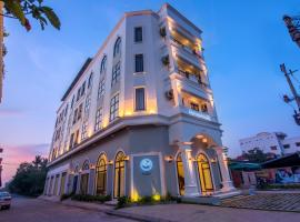 Sky Palace Boutique Hotel, hotel in Battambang