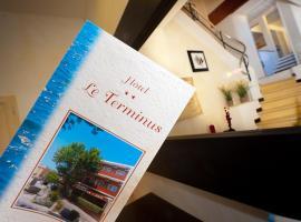 Hotel Le Terminus, hôtel au Lavandou