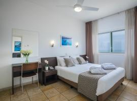 Costantiana Beach Hotel Apartments, hotel in Larnaca
