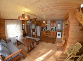 Wooden House, holiday home in Yeysk
