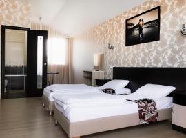 Hotel Sofiya, отель в Адлере, рядом находится Конькобежный центр «Адлер-Арена»