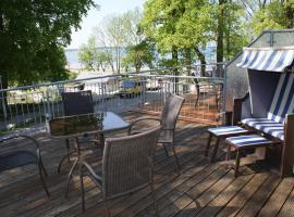 Strandhaus Zierow am Ostseestrand mit Terrasse & Parkplatz - ABC53, apartment in Zierow