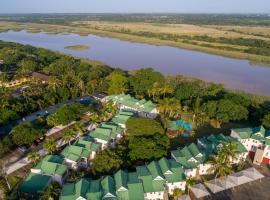 15 The Bridge Holiday Resort, resort in St Lucia