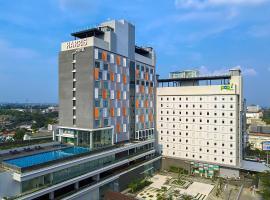 HARRIS Hotel & Conventions Solo, hotel in Solo