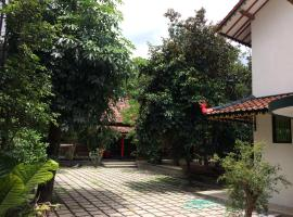 Sonosewu Guesthouse, guest house in Yogyakarta