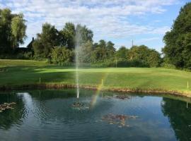 Malkins Bank Golf Club, hotel near Sandbach Services M6, Sandbach