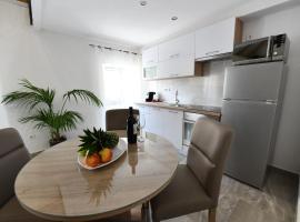 Apartment Lavanda, room in Sinj