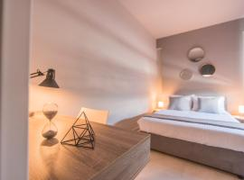 Luxury Patra City Studio, hotel near Patras Port, Patra