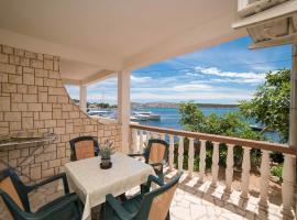 Apartments by the sea Barbat, Rab - 4967, hotel u Barbatu na Rabu