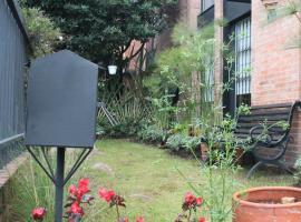 Belmira House Cedritos, habitación en casa particular en Bogotá