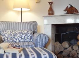 Blue House by Stay in Alentejo, vacation home in Vila Nova de Milfontes