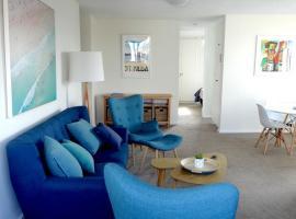 Spectacular Views Top Floor- Private Apartment., hotel near St. Kilda Sea Baths, Melbourne