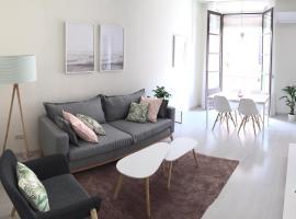 Amplio y luminoso apartamento con vistas, hotel near Marina Tarragona, Tarragona