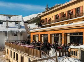 Hotel Le Refuge by Skinetworks, hotel in L'Alpe-d'Huez