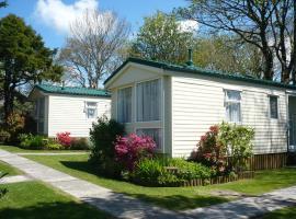 Rivermead Holidays, villa in Saint Breward