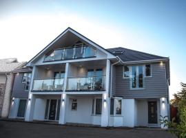Island View, hotel near Barton-on-Sea Golf Club, Highcliffe