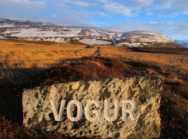 Vogur Country Lodge, hótel í Vogi