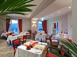 Resort Collina d'Oro - Hotel & Spa, hotel 5 estrellas en Agra