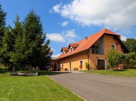 Turistična kmetija Kaloh, farm stay in Maribor