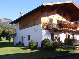 Haus Sandra, hotel near Golfclub Kitzbuhel Kaps, Kitzbühel