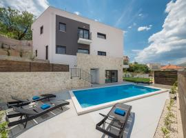 Villa Salt, luxury retreat in Trogir, hotel with pools in Trogir