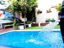 Hostel Estacion Mendoza, hotel in Mendoza