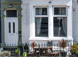 The Seacroft Guest House, hotel near Blackpool Illuminations, Blackpool