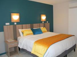 Logis Hotel Restaurant Le Grand Turc, hotel near Puy du Fou Theme Park, L'Oie