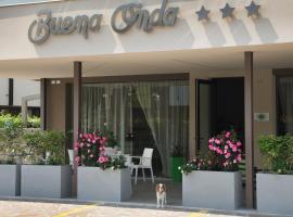 Hotel Buena Onda, hotel in zona Gardaland, Peschiera del Garda
