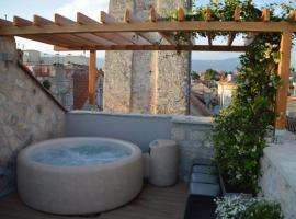 Apartment Luxury Palace No1, hotel in Split