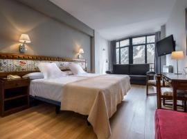 Hotel Edelweiss Candanchú, hotel cerca de Puente, Candanchú