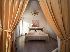 Guest house Milisic, budget hotel in Rogoznica