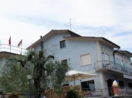 Hotel Francesco, hotell i Padenghe sul Garda