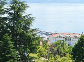Ryan Sea View Apartment, luxury hotel in Ičići