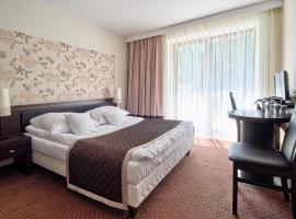 Hotel Zacisze – hotel w pobliżu miejsca PKP Opole Główne w Turawie