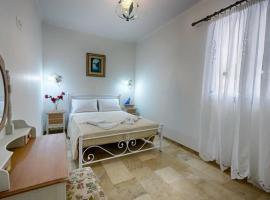Feakia apartment 2, pet-friendly hotel in Agios Gordios