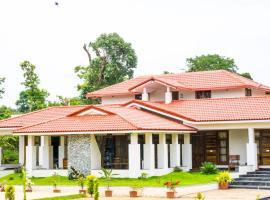 Riyavar Luxury Homestay, hotel with pools in Siddapur