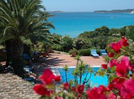 Residence Fenicia, hotel with jacuzzis in Villasimius